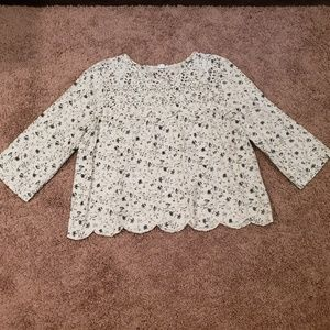 Blouse Gap with flowers, beautiful and in excellen